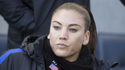 Hope Solo, portera del Seattle Reign FC y figura prominente del fútbol f...