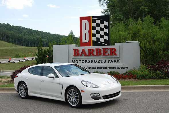 El Porsche Panamera amplio su gama de motores para el modelo 2011.