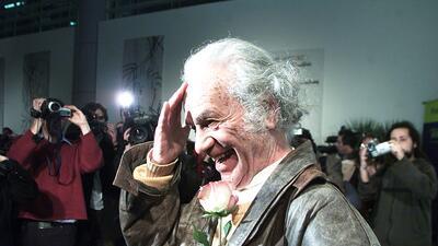 Nicanor Parra acudió en 2011 en la presentación de una exp...