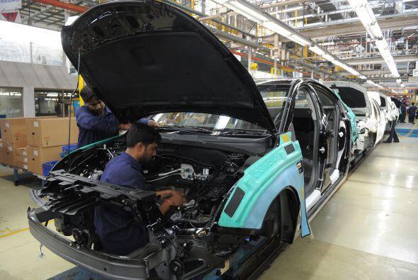 Los dos principales fabricantes estadounidenses de automóviles, General...