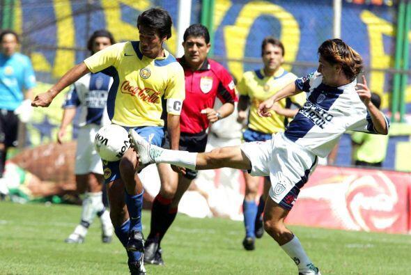 Pachuca lograría su segunda victoria en el Azteca en el 2004, se jugaba...