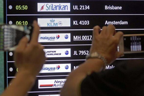 El avión, que despegó del aeropuerto Schipol de Amsterdam hacia el aerop...