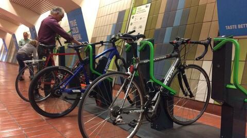 Los nuevos estacionamientos para bicicletas en San Francisco ya están si...
