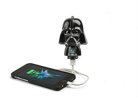 Mighty Minis Darth Vader: cargador para el teléfono celular  (Thinkgeek....