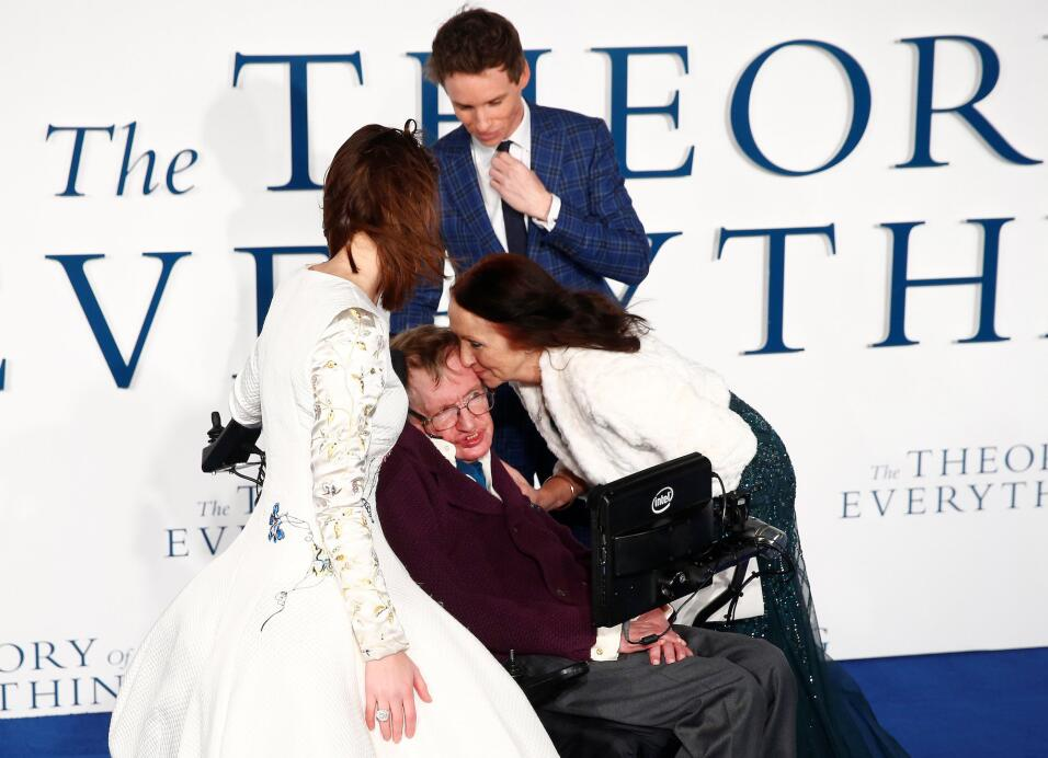 Junto con su exposa Jane Wilde en Londres en 2014, en la premier de la p...