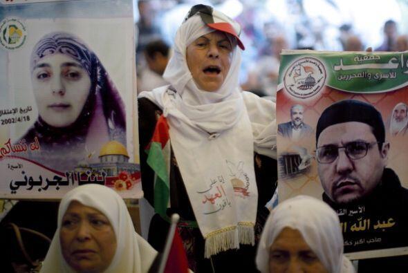 En tanto, las protestas se desataron en Palestina.