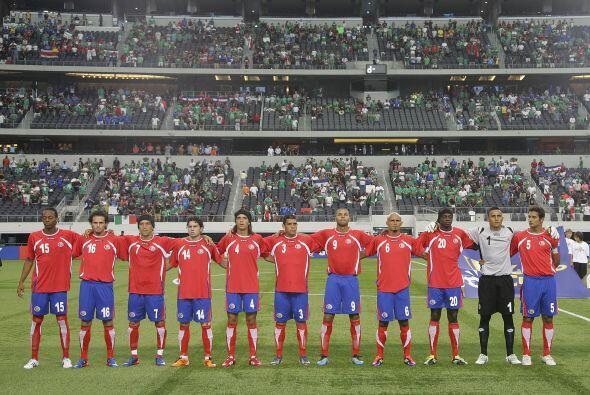 La selección de Costa Rica, invitada en reemplazo de Japón, participa en...