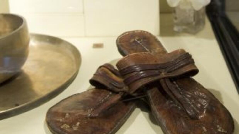 Las sandalias alcanzaron un precio de $33,600.