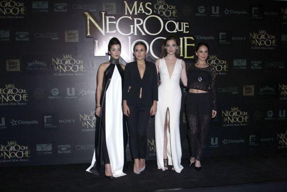 """Premier """"Más Negro Que La Noche"""""""
