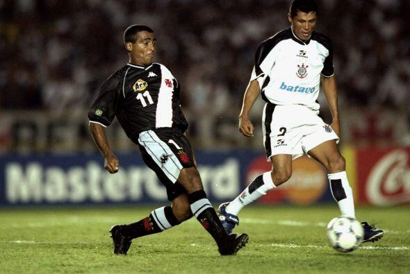 El primer Mundial de Clubes se realizó en el año 2000. La final fue bras...