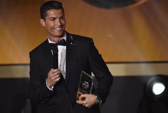 Obviamente, el gran ganador de la noche, Cristiano Ronaldo, también apar...