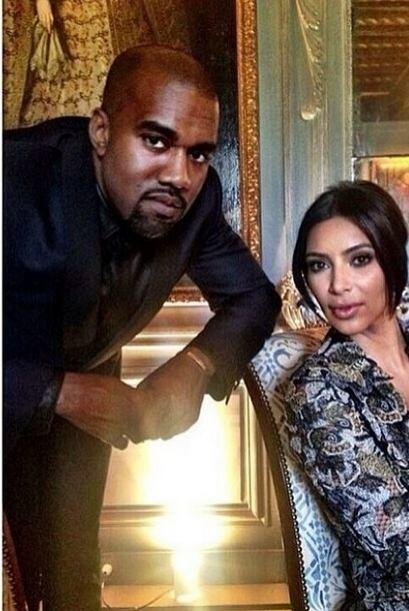Aunque lo veamos así de serio, una de las razones por las que West sonrí...