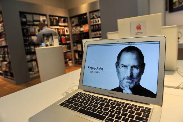 Un año después de la muerte de Steve Jobs sus productos si...