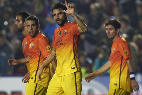 Y el volante Cesc Fábregas selló el triunfo de 4-0.