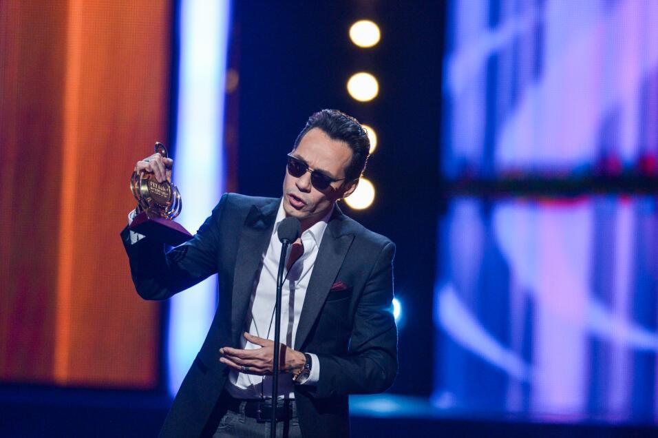 Marc Anthony dedica su segundo galardón de la noche a los latinos en Est...