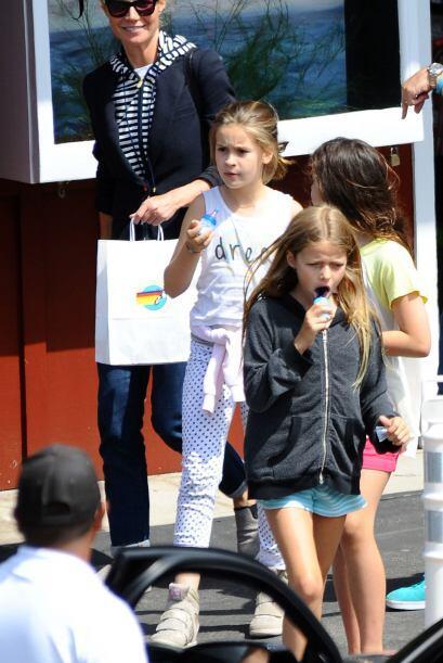 La ganadora del Oscar salió a pasear con su pequeña Apple....
