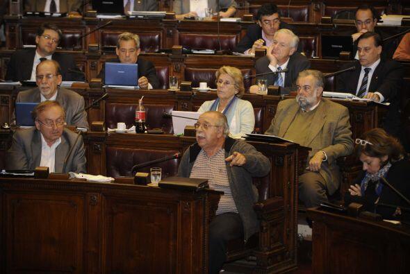Fueron más de 14 horas de debate parlamentario. El Frente Amplio no logr...