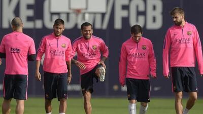 Neymar, Dani Alves y Messi volvieron a las prácticas del club catalán tr...