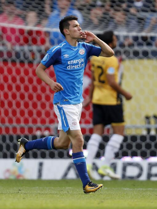 Eredivisie / NAC Breda 1-[4] PSV Eidnhoven: Hirving Chuky Lozano se repo...