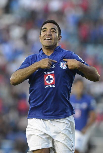 Marco Fabián.- El ofensivo del Cruz Azul dio otro recital en el triunfo...