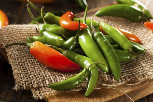 """Las semillas de los chiles son su corazón """"caliente"""", así que regula la..."""