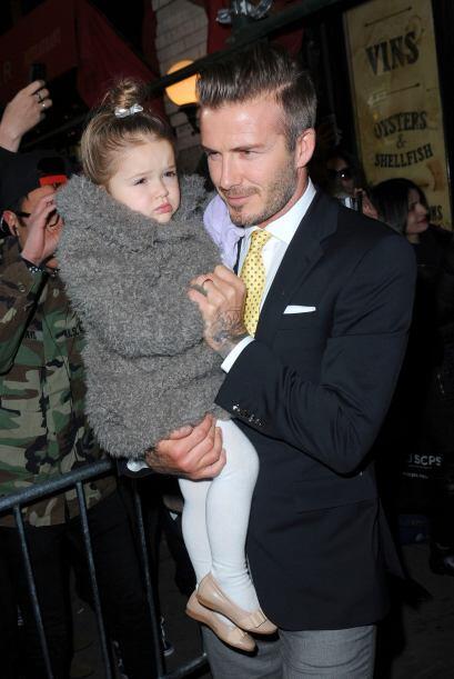 Su sensual marido, David Beckham y su  hija Harper la apoyaron y aplaudi...