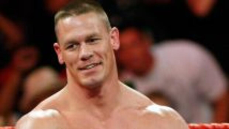 ¡Vaya lío! John Cena y CM Punk tendrán que luchar por el título de la WW...