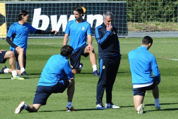 Mourinho le ha pedido a sus jugadores que encaren este duelo al máximo,...