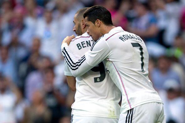 Benzema felicitado por Cristiano Ronaldo.