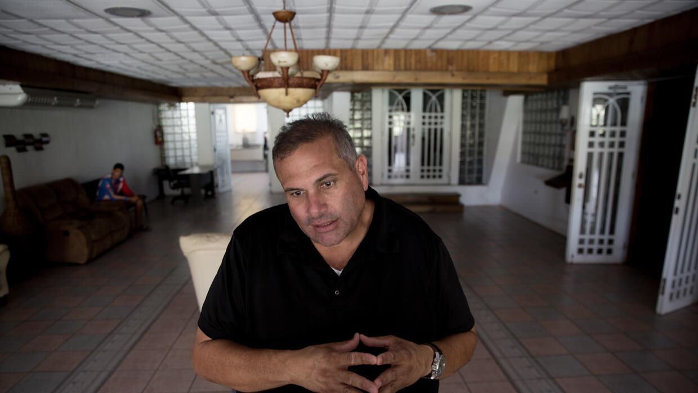 Para Juan López, dueño de una funeraria en Lares, el huracán María depri...