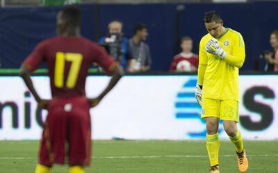 Moisés Muñoz salió como titular en el partido ante...
