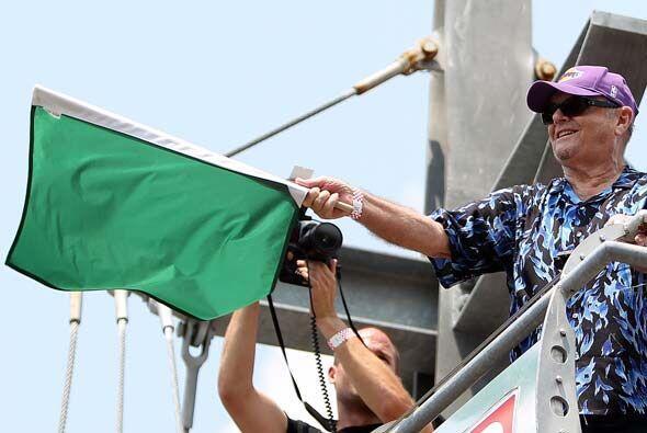 El actor Jack Nicholson fue el encargado de dar el banderazo inicial de...