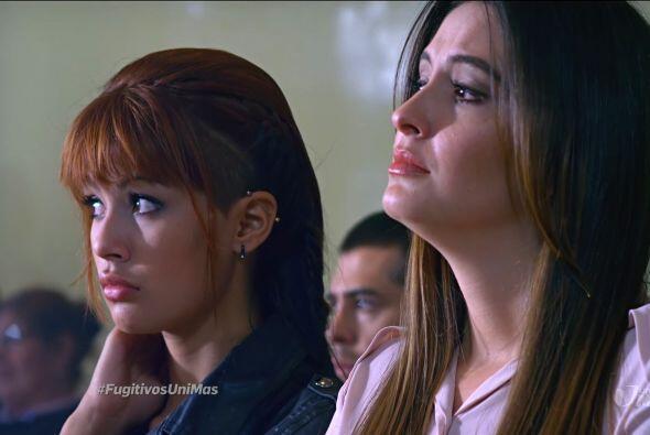 Micaela y Esperanza no se despegaron ni un minuto del juicio.