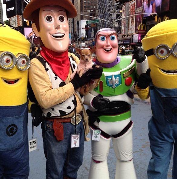 Honey Berry se la está gozando en Nueva York y ya tiene nuevos amigos.