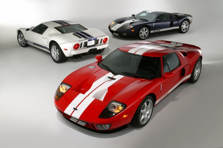 Ford v. Ferrari: La enemistad que creó una leyenda 2004-Ford-GT-neg-CN33...