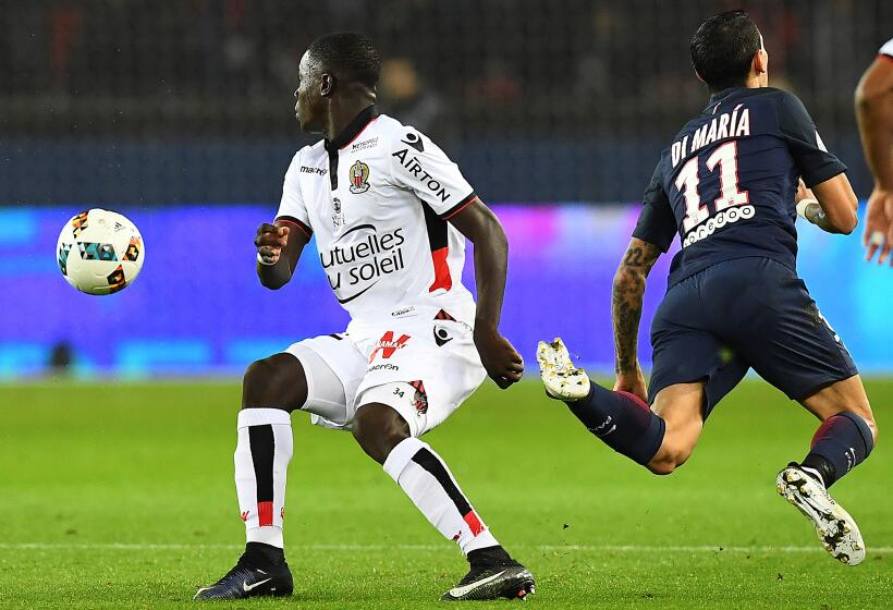 """Raiola: """"El Milan amenazó a Donnarumma con truncarle la carrera"""" GettyIm..."""