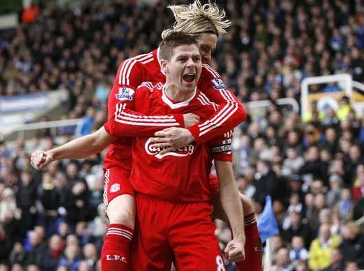 Steven Gerrard puso en ventaja a los 'Reds' pero más tarde les igualaron...