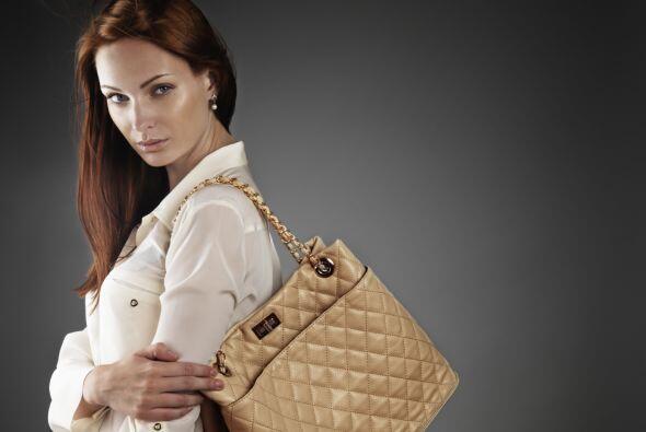 En su lugar, opta por el color crema, para lograr un look suave, femenin...