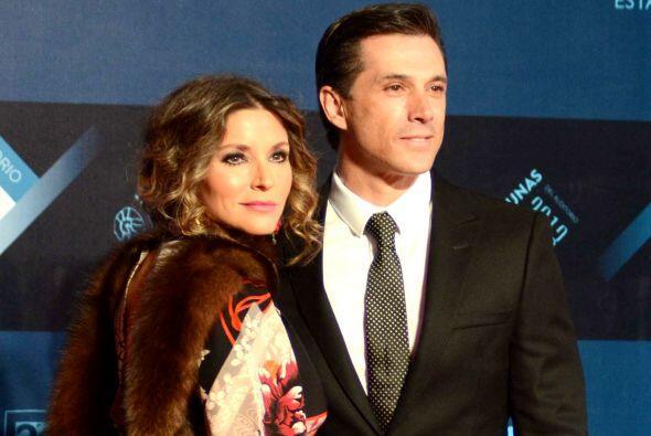 Sergio Mayer e Isabella Camil son uno de los matrimonios más estables de...