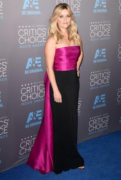 'Legalmente sexy', Reese Witherspoon cada vez escoge mejor sus atuendos.