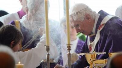 """Para el arzobispo """"todos los Papas son iguales, y merecen nuestro respet..."""