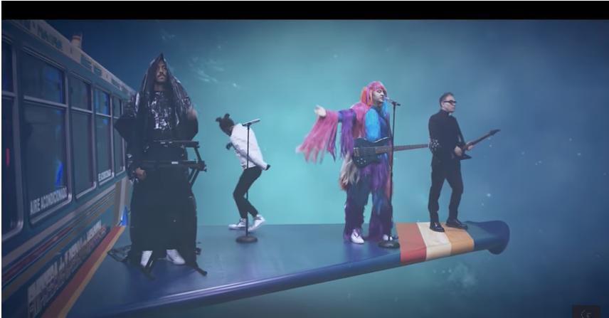 """El video del primer sencillo, """"Futuro"""", fue dirigido por Diego Tucci y e..."""