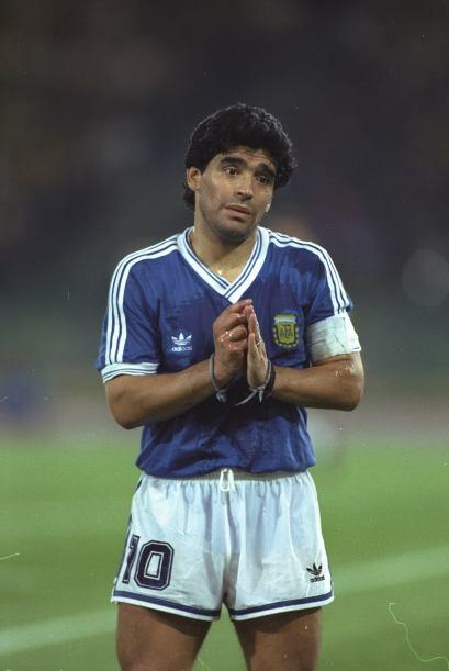 Diego Maradona pidió perdón al errar en la tanda de penale...