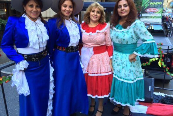 La comunidad hispana se congregó por la 5 avenida para festejar nuestras...