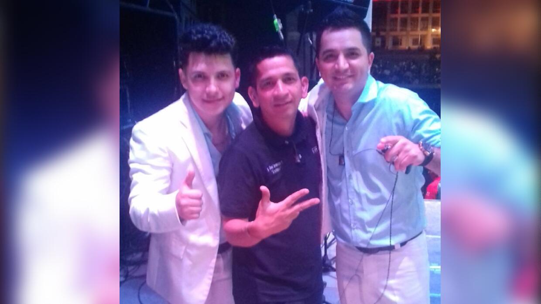 Josi Cuen y Vicen Melendres junto a 'El Mochano', ingeniero de La Arroll...