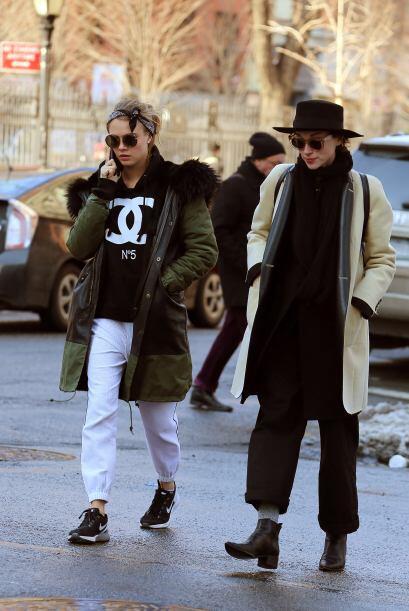Se dice, Cara y St. Vincent llevan aproximadamente cuatro meses saliendo.
