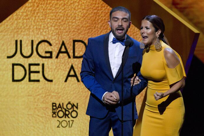 Ellos son los ganadores del Balón de Oro Adriana Monsalve y Edgar Martin...