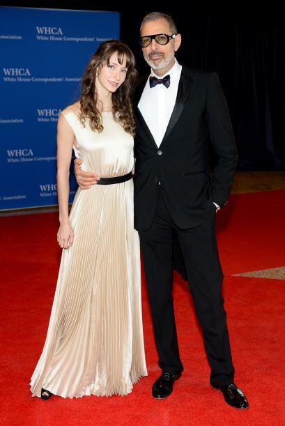Jeff Goldblum y Emilie Livingston. Mira aquí los videos más chismosos.