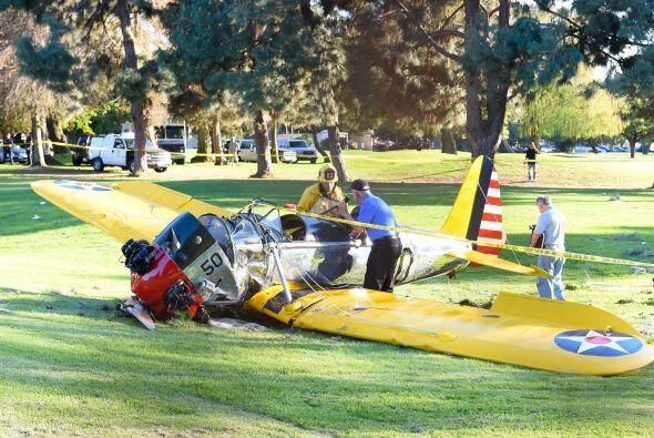 Cayó sobre un campo de golf de Los Ángeles debido a un aterrizaje forzoso.