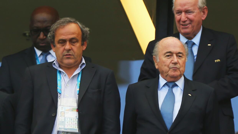 Reducen sanciones de Blatter y Platini